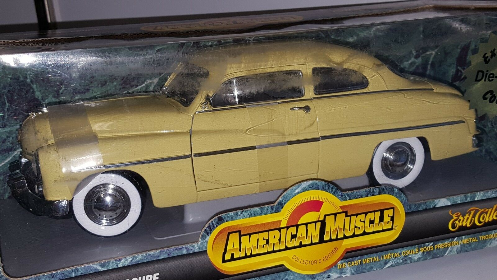 1/18 ERTL AMERICAN MUSCLE 1949 MERCURY COUPE LIGHT giallo gd