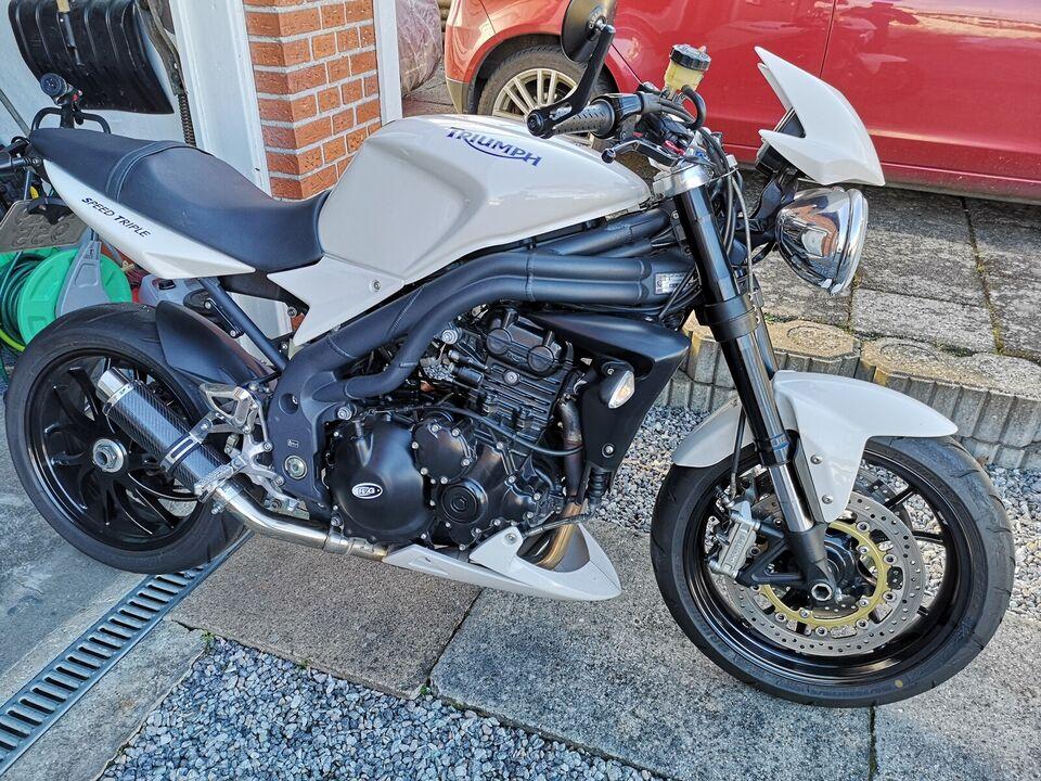 Speed Triple 1050-08