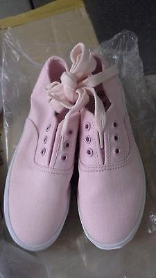 Girls Small Canvas Shoes Pink size AUS 13 / EUR 32/ USA 1 / UK 13 / JPN 21