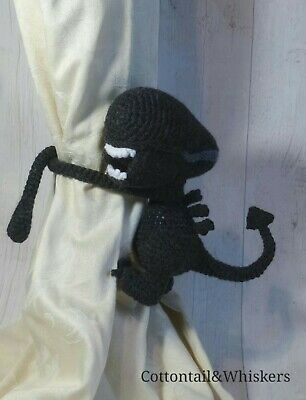 Allen the Alien Amigurumi Crochet (Pattern Only) - Ollie + Holly ... | 400x306