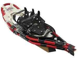 """Redfeather Hike 30/"""" Snowshoes Made in the USA Black Deck Red Frame Control Bind"""