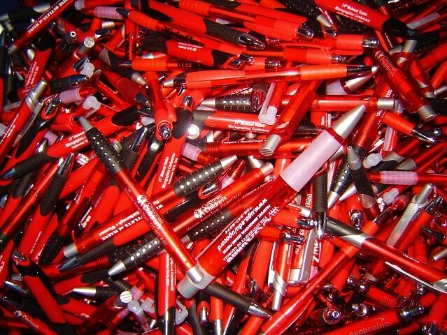 BULK LOT OF 381 NEW RETRACTABLE BALLPOINT PENS  free shipping Office School