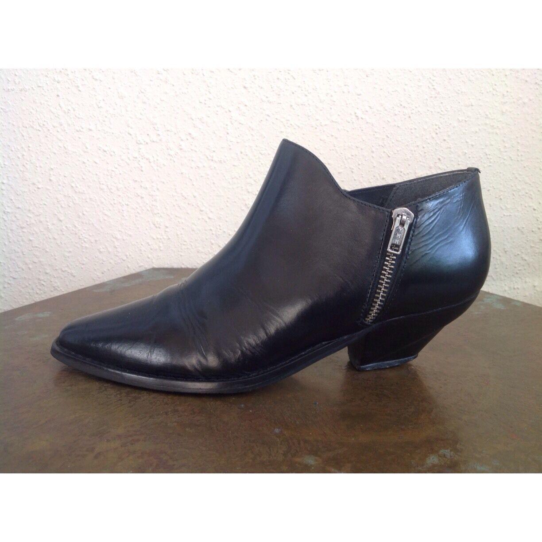 WILD PAIR Vintage Leder Ankle Stiefel W/Elastic & Zipper Größe 7.5 B