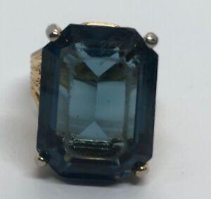 Vintage-Fashion-Ring-Gold-Tone-Blue-Glass
