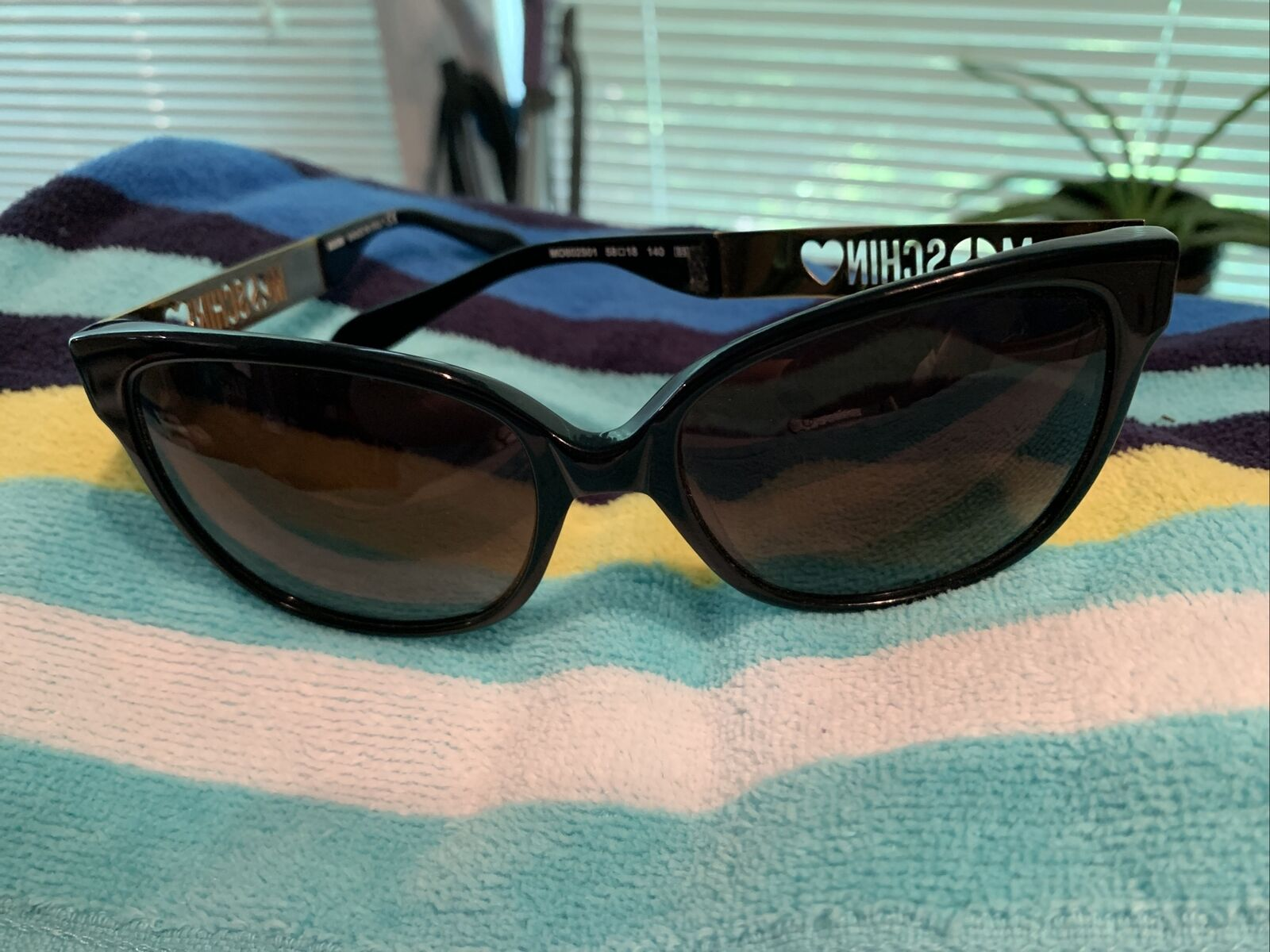 Moschino Sunglasses Womens mo802S01 58 18 Excellent Used Condition