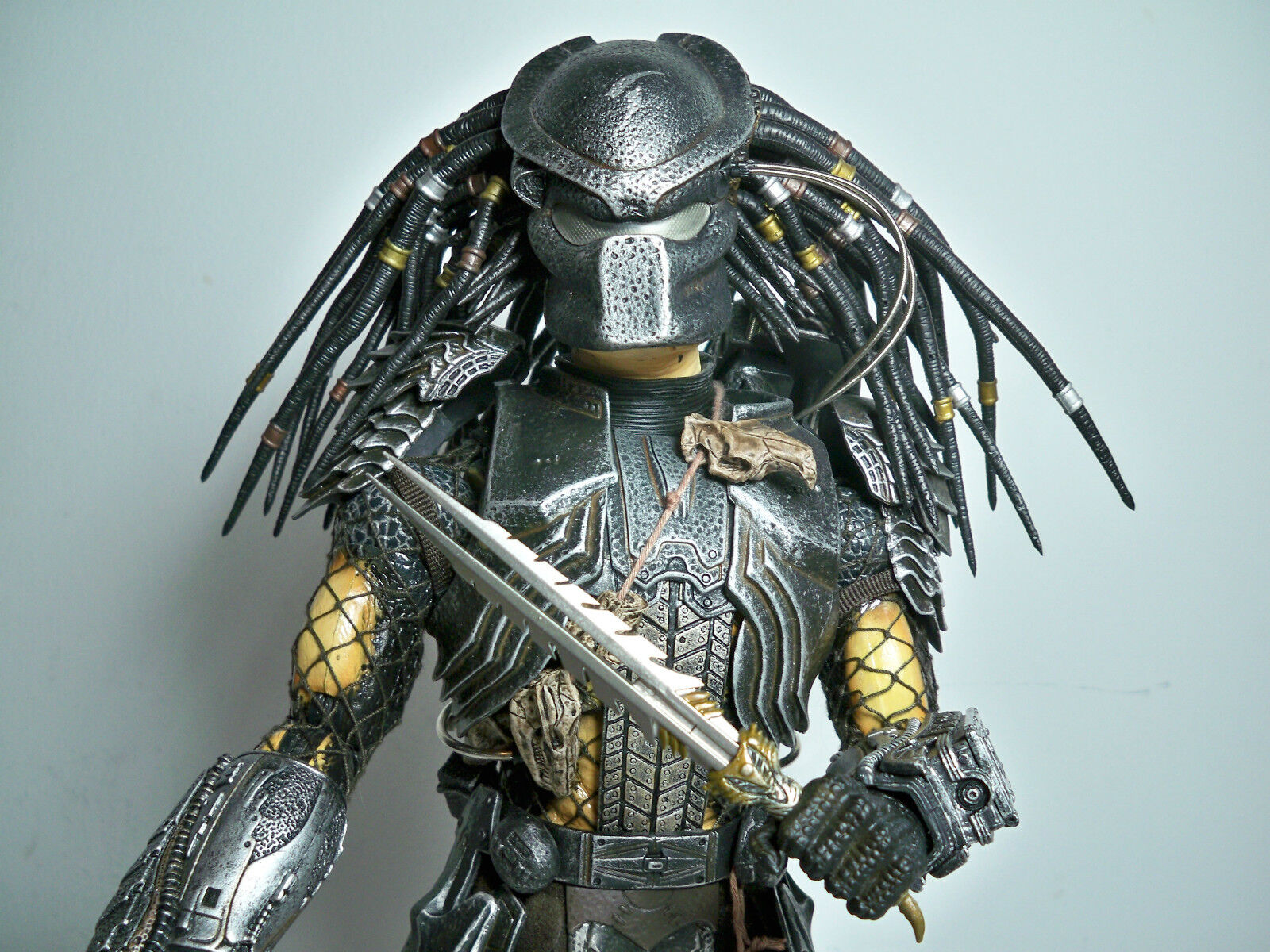 R2000055 SCAR PROTATOR  HOT TOYS 100% COMPLETE 1/6 MODEL FIGURE WITH BOX AVP
