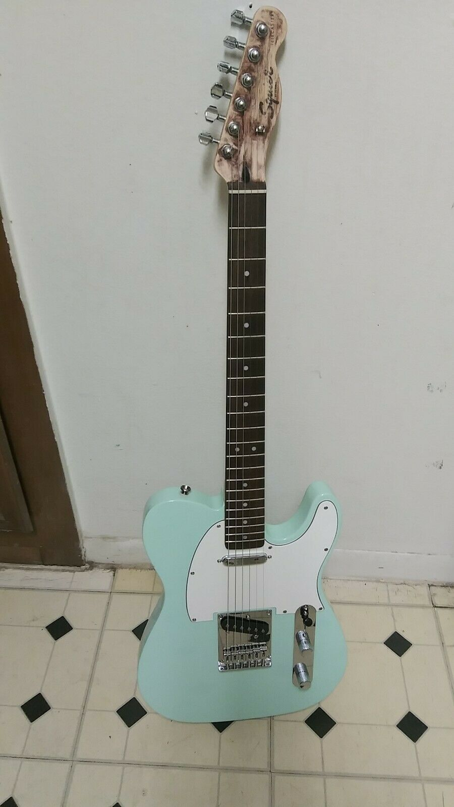 Fender Telecaster Squire Guitar S N ICS191889.ENTWICKLUNG IN INDONESIEN