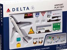 Delta Air Lines Boeing 777 Airport Spielzeug Set 12 Teile NEU B777 Daron RT4991
