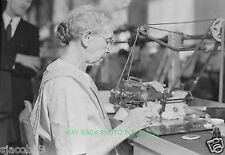 """1936 PHOTO AT HAMILTON WATCH COMPANY IN LANCASTER, PA - 8"""" by 10"""" - POLISHER"""