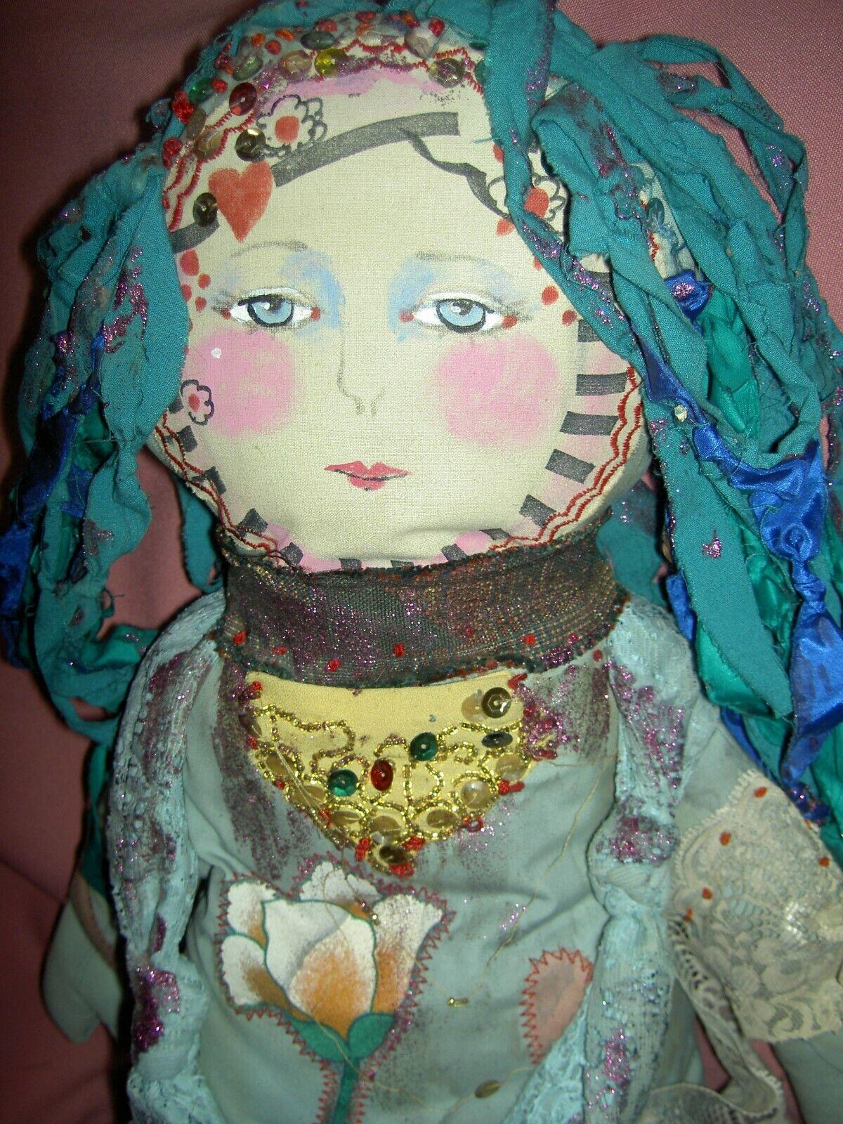 Uno de una clase 1988 Malerich firmado, mezclado textiles Tela 29  Boudoir Arte Muñeca, Millie