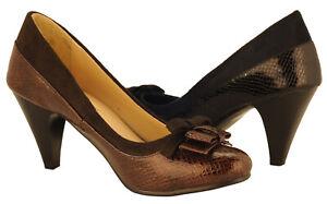 Ann Creek Women/'s /'Rosalie/' Rhinestone Stacked Heel Pump