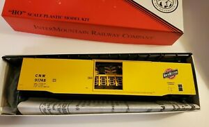 Ho-Scale-Inter-Mountain-Railway-Co-60-039-Chicago-amp-Northwestern-PS-1-Boxcar