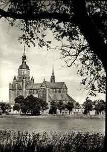Kirchen-Bauwerke-Postkarte-Marienkirche-Kirche-in-STRALSUND-DDR-Ansichtskarte