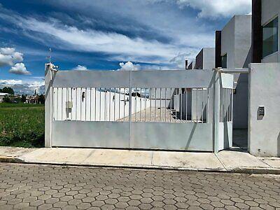 Vendo casa nueva en fraccionamiento cerrado con estacionamiento  San Pedro Cholula , Puebloa