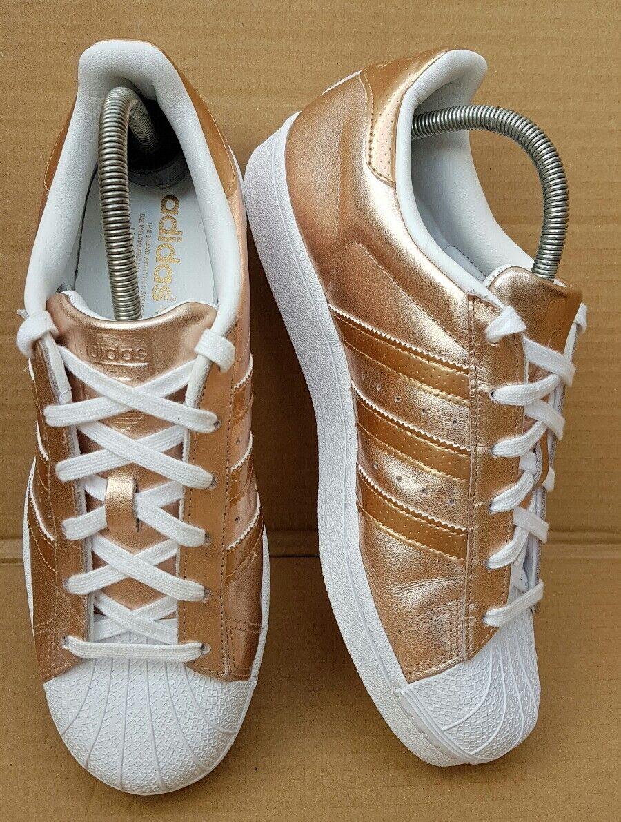 STUPENDO adidas Superstar Superstar adidas bianco/ROSE GOLD   da ginnastica misura 4.5 Regno Unito RARA indossata una volta 4998ac