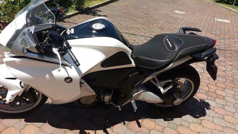 Ducati Streetfighter 848 1098 Volcano design Saddle cover Anti scivolo Black gri