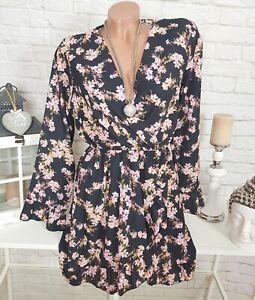 6ae7caf0803 Das Bild wird geladen Volant-Blumen-Kleid -Chiffon-Minikleid-Wickeloptik-gebluemt-Schwarz-