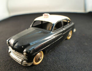 Dinky-Toys-F-n-24XT-Ford-Vedette-TAXI-repeinte