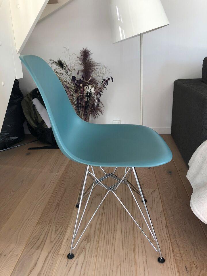 Bord/stolesæt, Eames stol