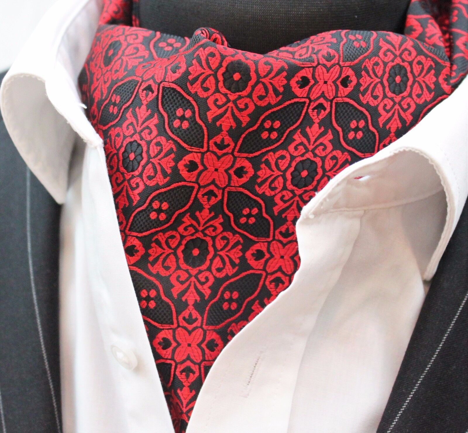 Cravat Ascot Red & Black Patterned Cravat with matching hanky.