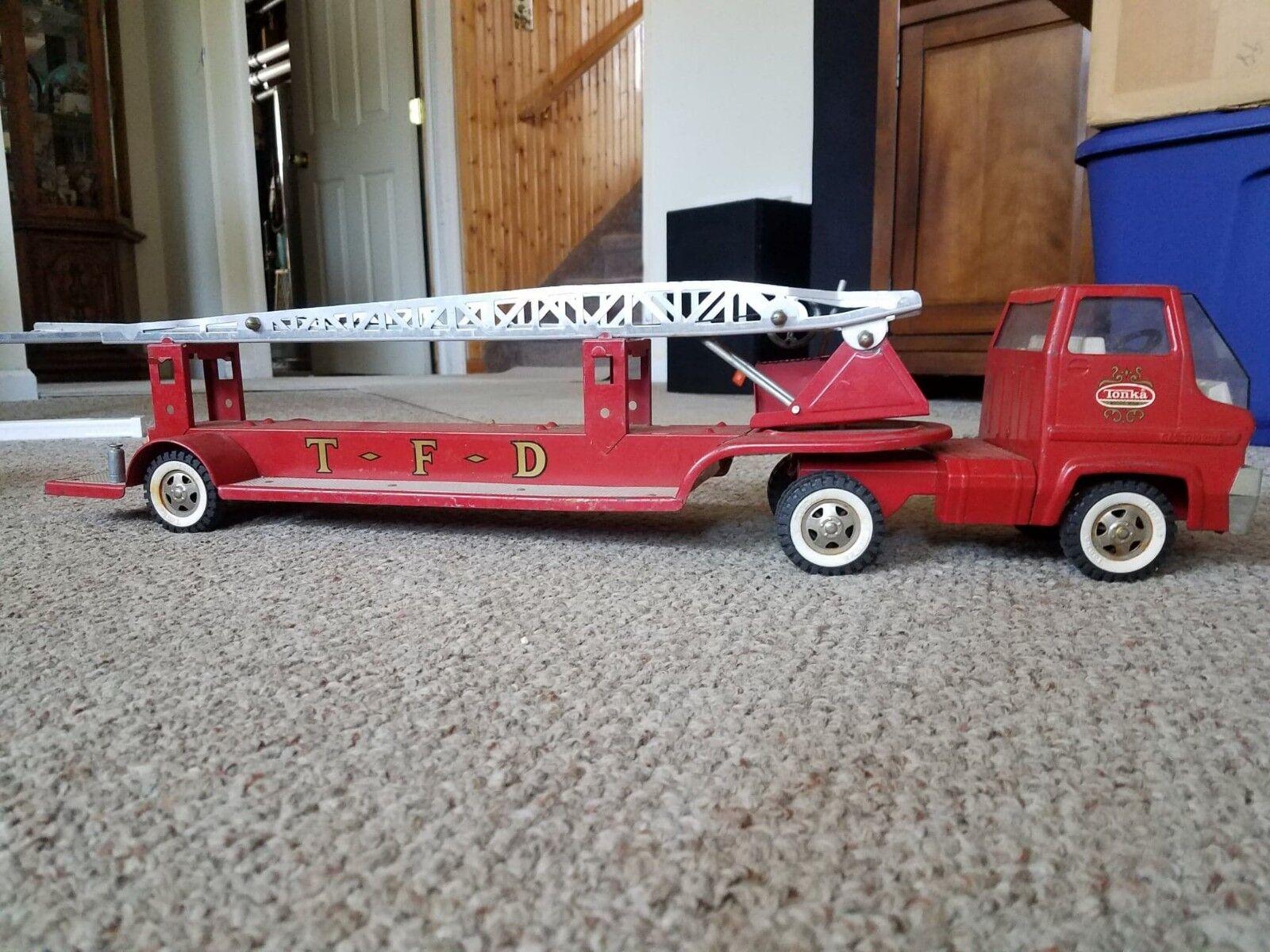 VINTAGE TONKA camion de pompiers, utilisé mais en bon état