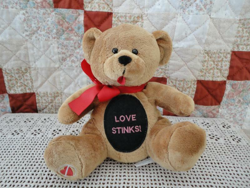 Russ Berrie LOVE STINKS Tongue Teddy Bear Rare
