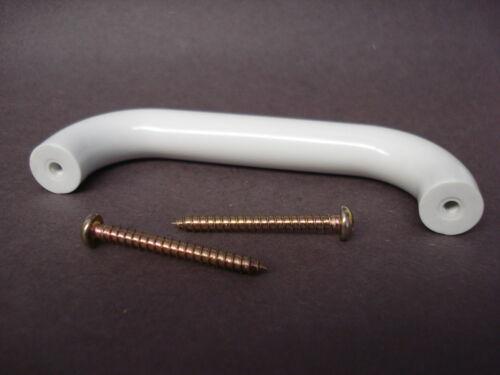 60 Liberty Coordinates 96mm Chuncky Wire Pull Handle White P59016Q-W-C6