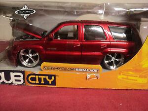 Jada-2002-Cadillac-Escalade-1-24-scale-NIB-2002-release-HTF-very-detailed