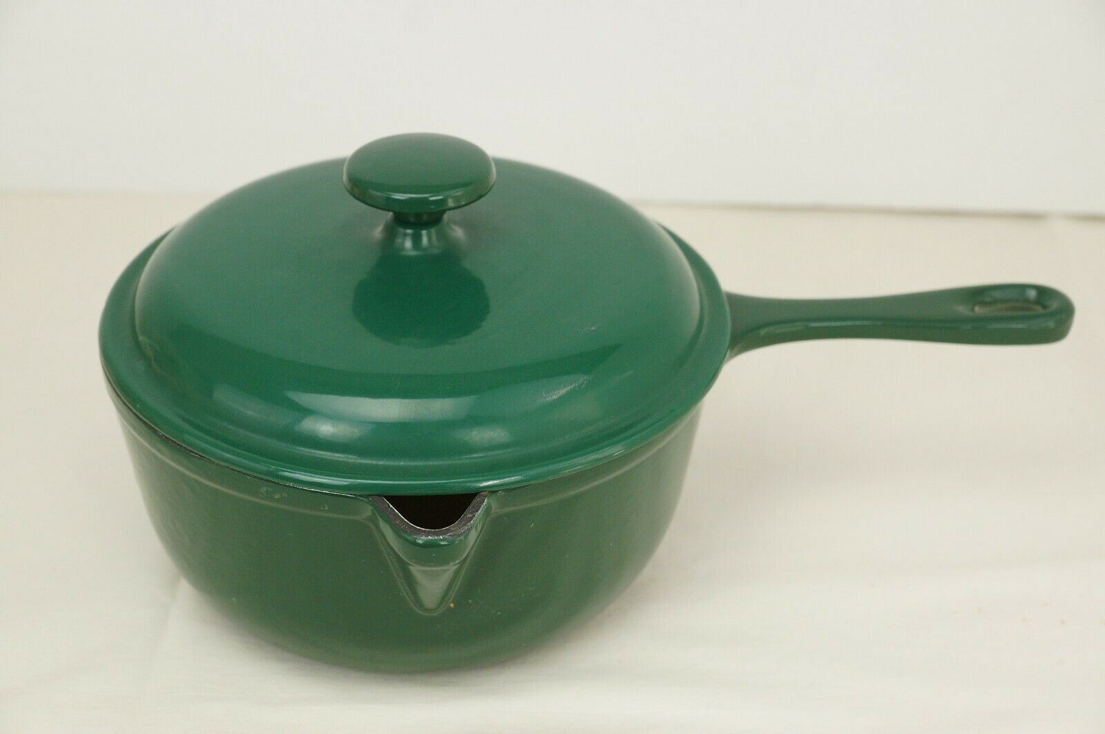 Innova Grün Enameled Cast Iron Saucepan Pot + Lid Lid Lid NEW 7e6167