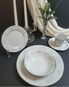 Porcelain-China-Prestige-Garden-Dinnerware-Vintage-4-Place-Settings-Set-20-Piece