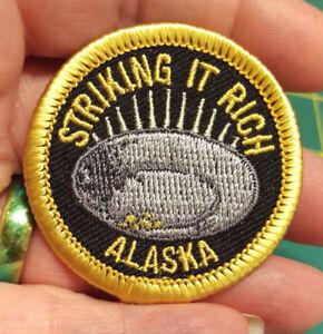 NEW-Fun-Alaska-Merit-Badge-Patch-STRIKING-IT-RICH-ALASKA-embroidered-Iron-On