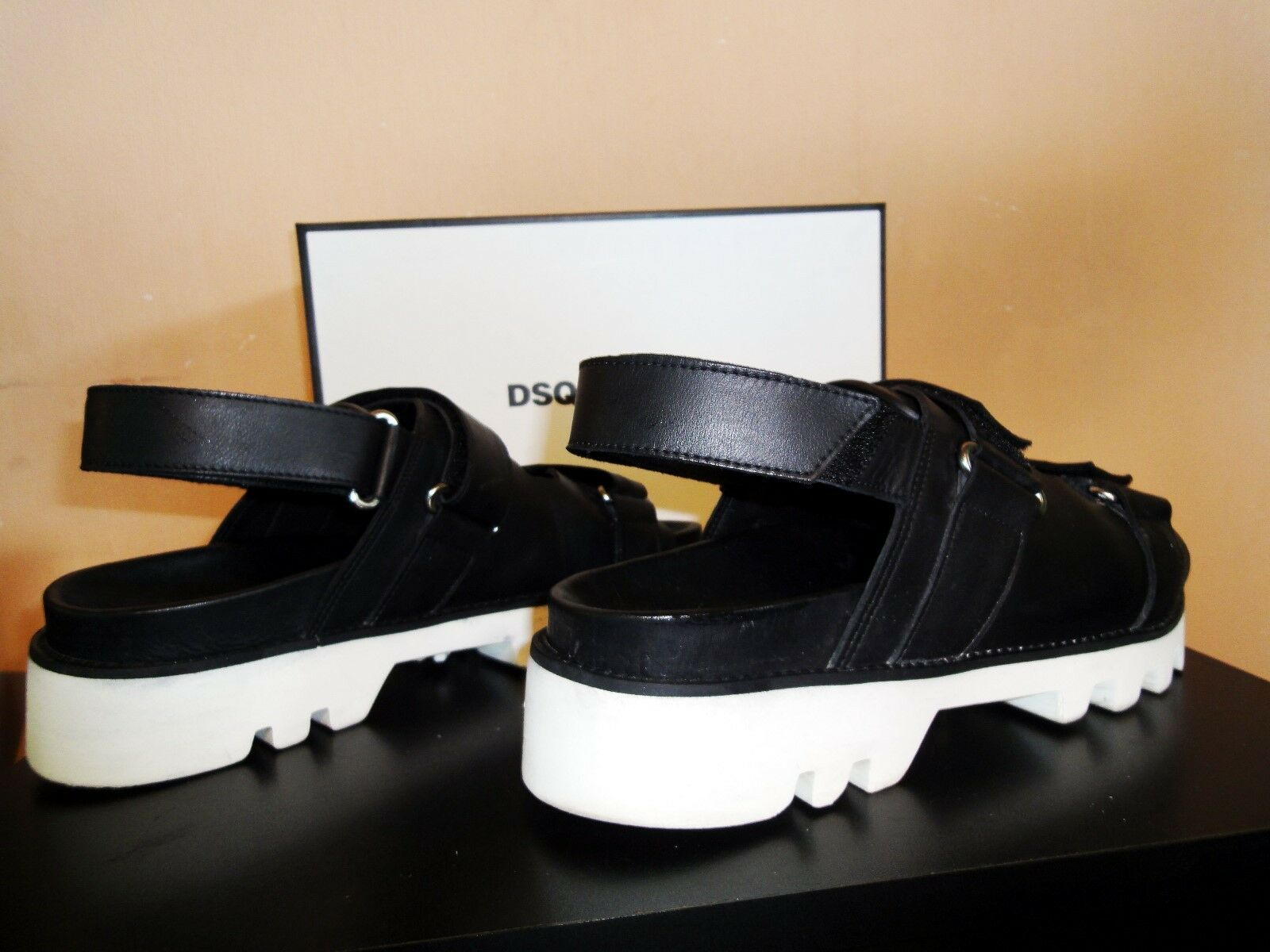 32b63684a ... Gentlemen Ladies Gentlemen Ladies Gentlemen Ladies Dsquared2 sandals  Elegant and sturdy set meal ...