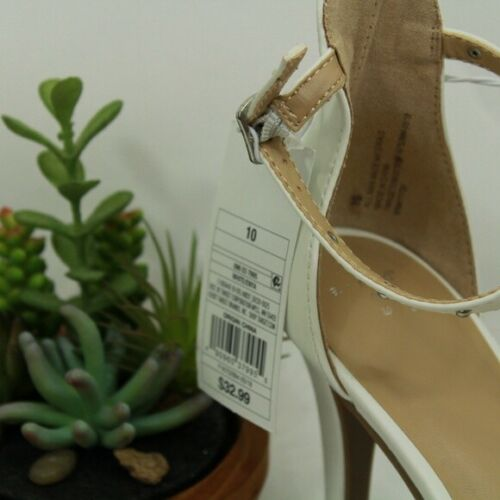 NWT Women/'s A New Day Enya Studded Barely There Pump Heels White Size 10