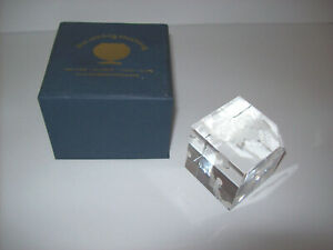 Walt-Disney-World-3D-Laser-Etched-Crystal-Figure-Cube-MICKEY-amp