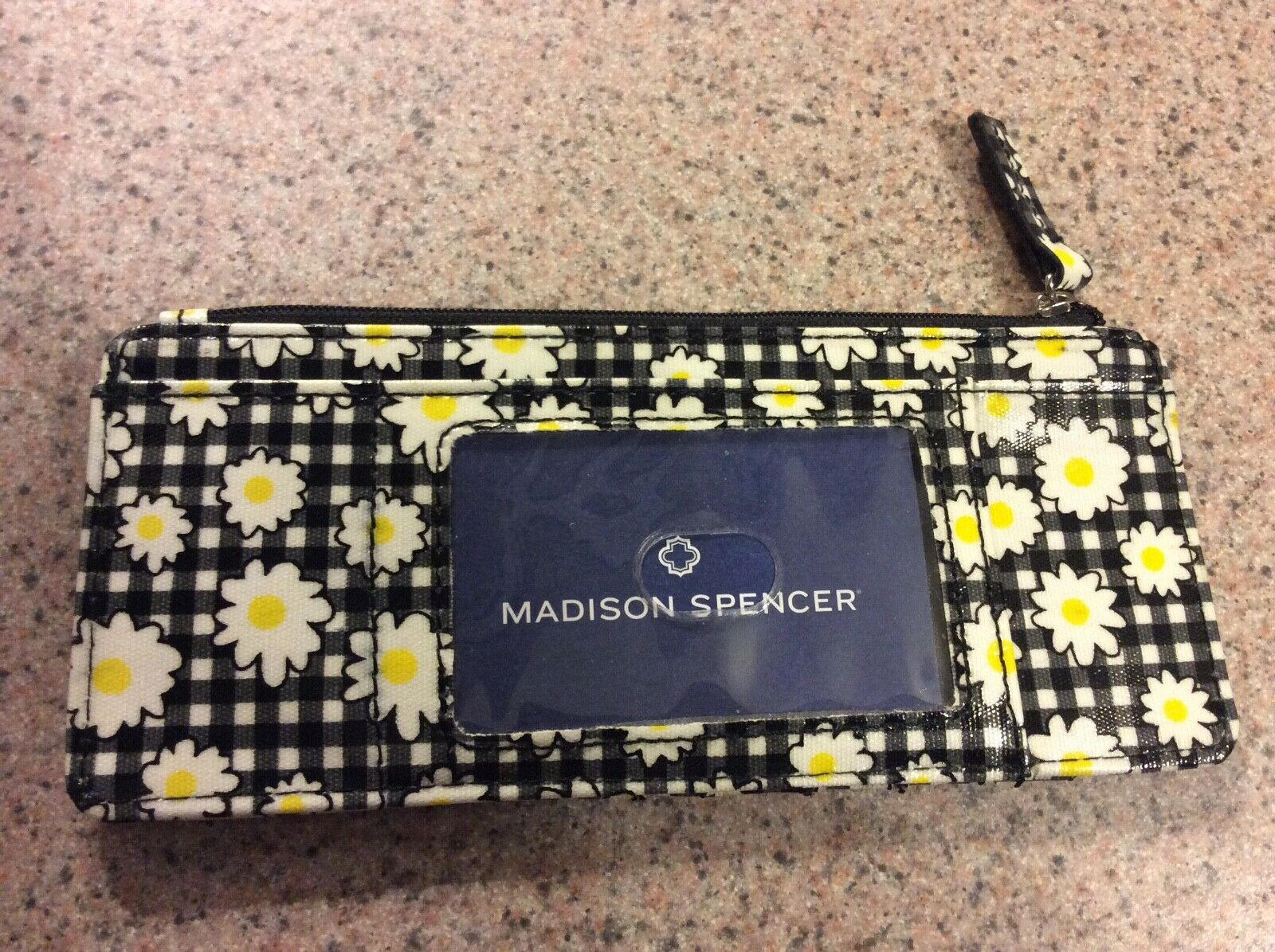 Madison Spencer - NWOT - Black and White Flower Print Daisies Card Case Wallet
