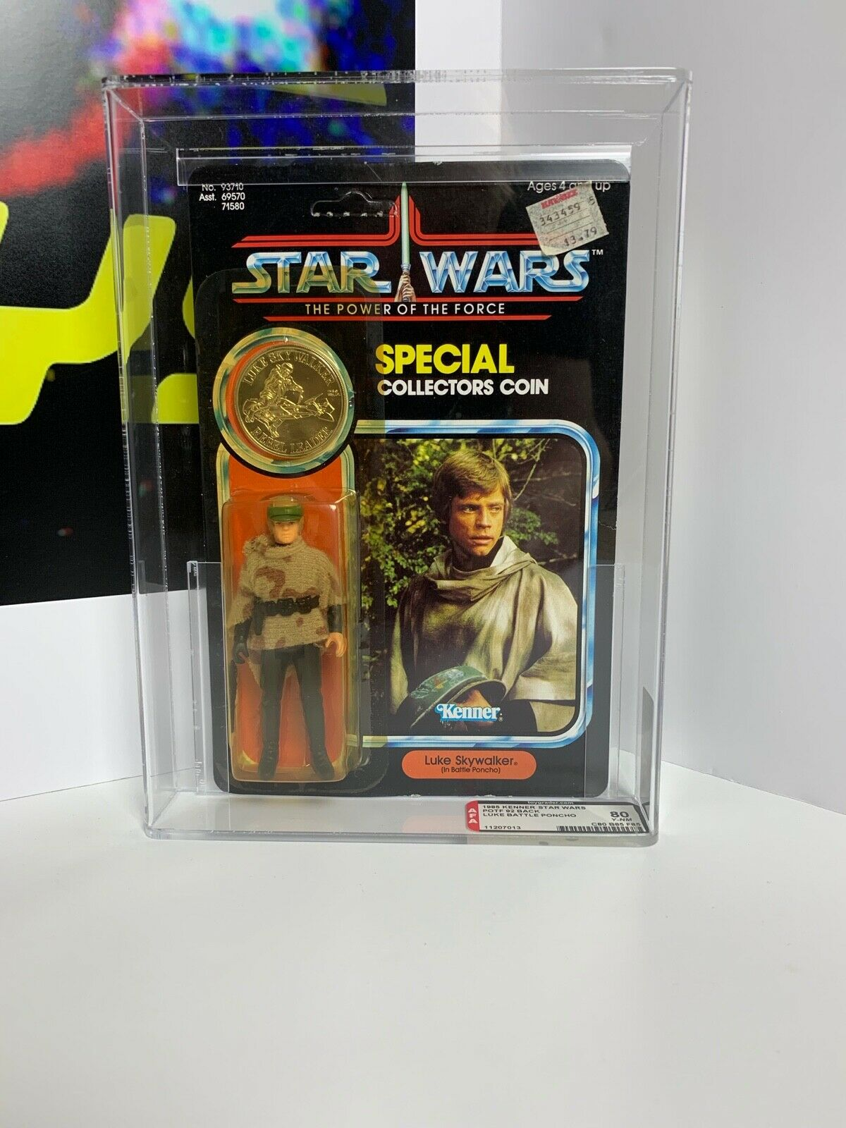 Star Wars Vintage Kenner POTF Luke Skywalker Endor (Battle Poncho) AFA 80 MOC