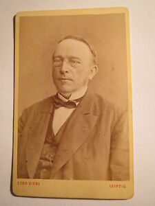Leipzig-1873-Herr-Advocat-Welde-als-Mann-mit-Zwicker-Portrait-CDV