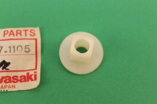 NOS KAWASAKI COLLAR HEAD LAMP L=15.6 KE100 KE125 KLT250 KE175 92027-1105