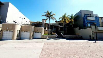 Residencia en Renta 4 Recamaras +Cto Servicio Fracc. Puerta de Hierro Seguridad