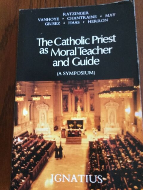 THE CATHOLIC PRIEST AS MORAL TEACHER AND GUIDE 1990 PAPERBACK