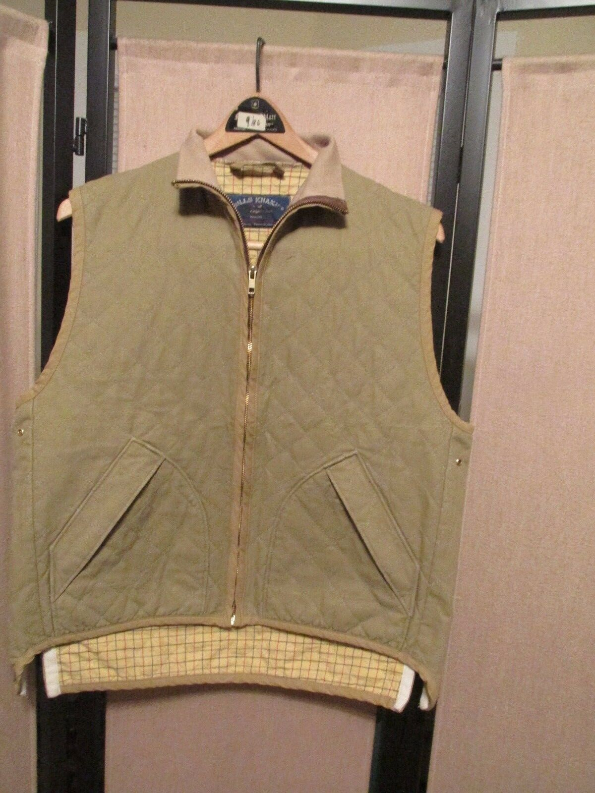 Bills Khakis Men's  quilted vest  with flannel lining size M NWOT