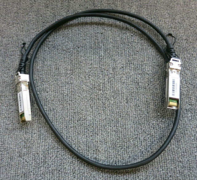 Netgear AXC761 Prosafe 1M / 3FT SFP+ Direct Attach Copper DAC Stacking Cable