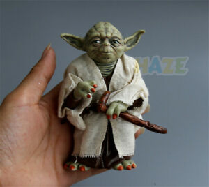 Star-Wars-The-Force-Awakens-Jedi-Master-Yoda-Action-Figure-Statue-Toy-13cm