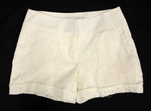 NWT Maurices Embroidered Floral Openwork Off White Shorts Woman Stylish *0-10