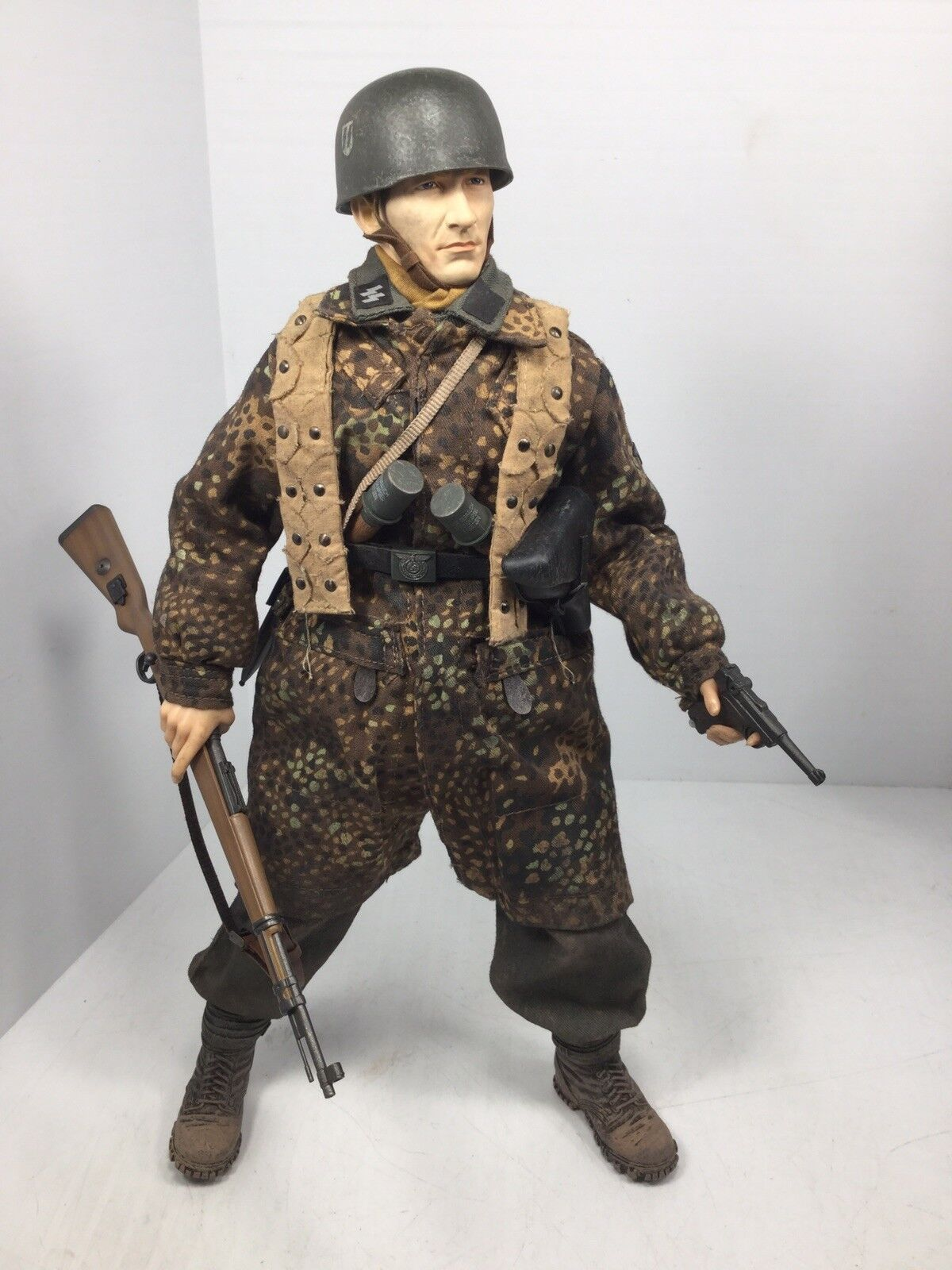 1/6 DRAGON GERMAN SS 500 PARACHUTE BTN PARATROOPER K-98 LUGER WW2 DID BBI 21st