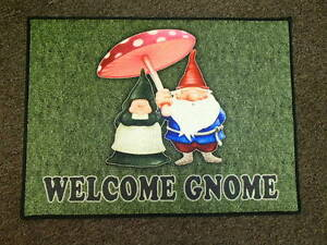 Welcome-Gnome-Door-Mat-Rug-Gnome-Couple-with-Mushroom-336