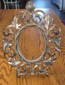Antique American Art Nouveau Gilt Cast Iron Metal Oval Table Picture Frame 1890s
