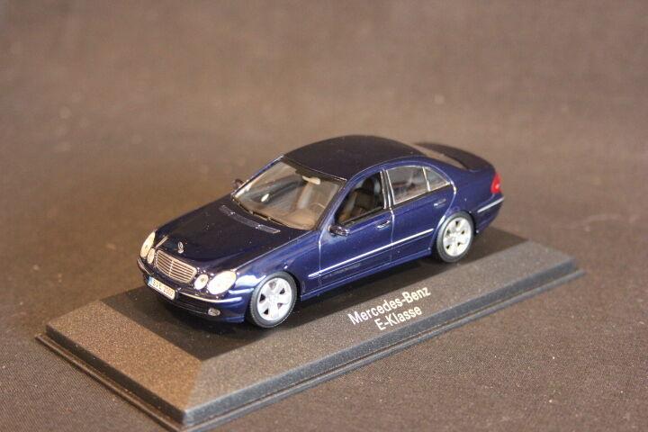 Minichamps (DV) Mercedes-Benz E-Klasse 1 43 Tansanitbleu (JS)