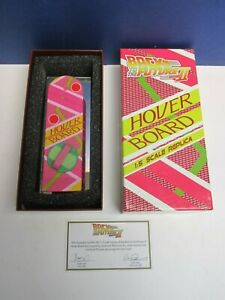 official-BACK-TO-THE-FUTURE-II-2-HOVERBOARD-REPLICA-1-5-lootcrate-1342