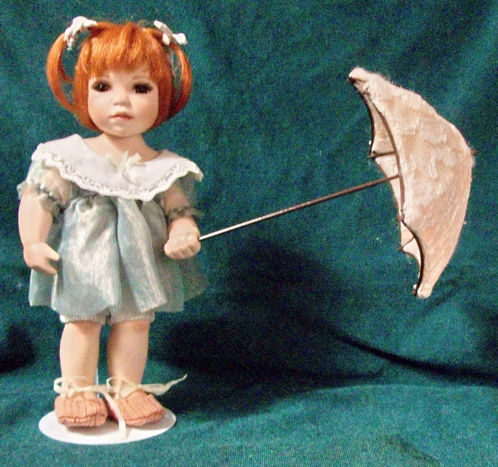BRANDI w rosso HAIR Marronee Eyes, Carrying Umbrella J C Lee Doll by SEYMOUR MANN-NIB